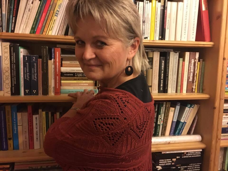 Szabó Mária, igazgató-helyettes